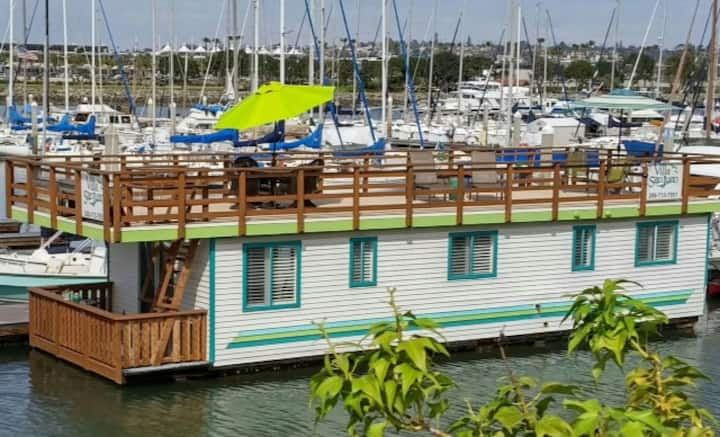 Houseboat on Beautiful San Diego Bay
