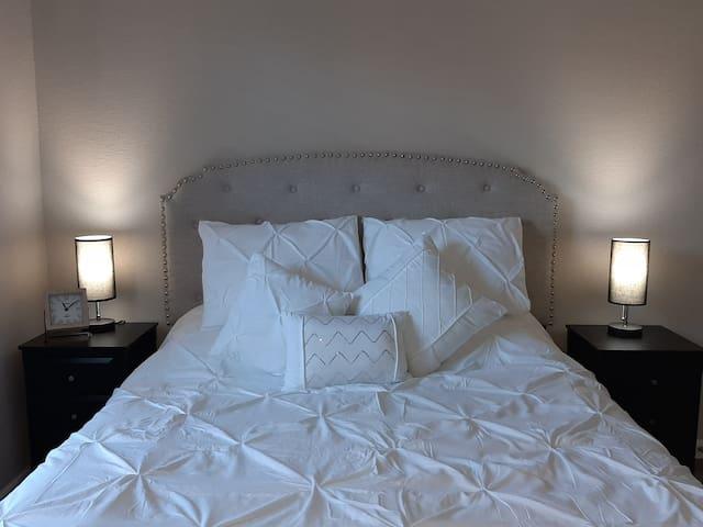 COZY 1 Bed/1 Bath apartment near SW Medical Center