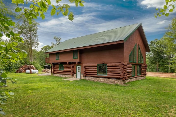 Log home on 2.5 acres near Upper South Long Lake