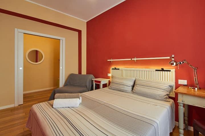 Red room in Finalborgo