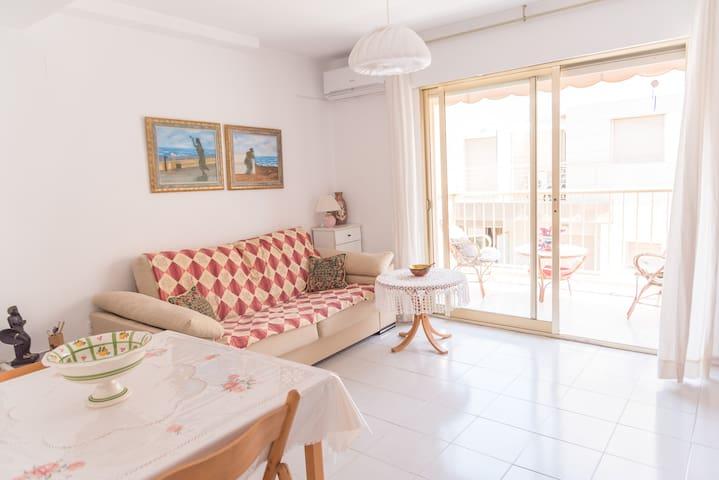 Beautiful apartament by the beach