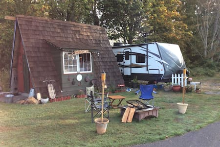 Ski~snowshoe Crystal Mountain! Nice RV-hot tub! - Buckley - Camping-car/caravane
