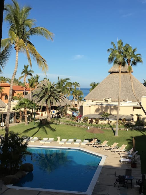 san jose del cabo big and beautiful singles Enjoy a luxury family vacation with gourmet dining, 4 pools, 2 hot tubs, a spa, beach and kid's activities at our all-inclusive resort in cabo book now.