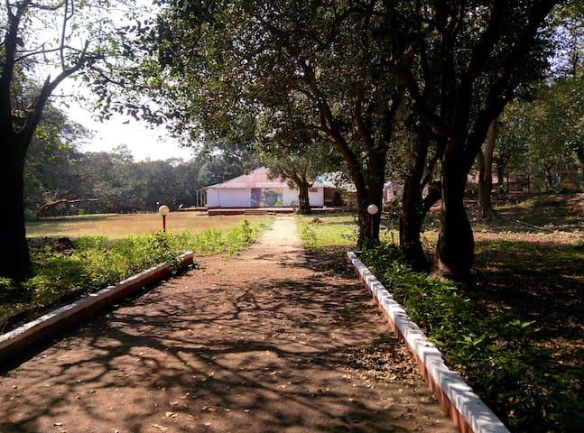Hermitage Villa & Camp - Matheran - Villa