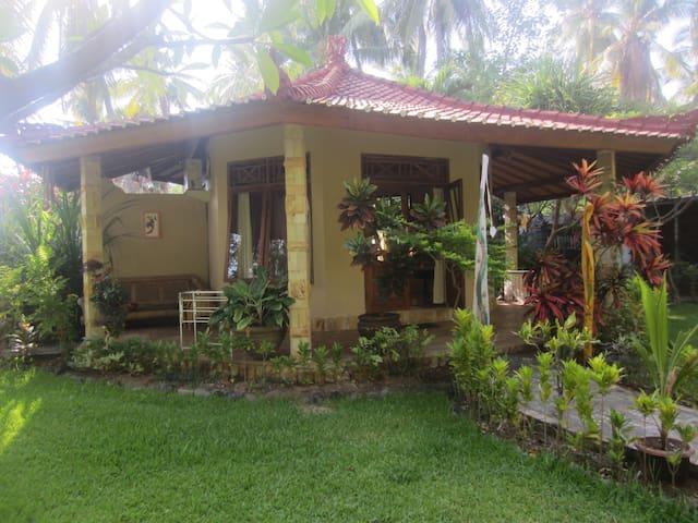 Villa Selina Large Beach/sleeps 4 bungalow