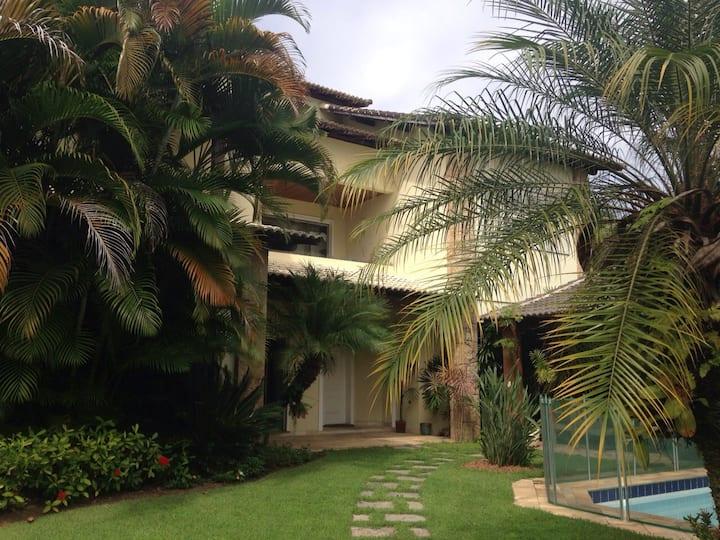 locação casa com area gourmet e 5 suites