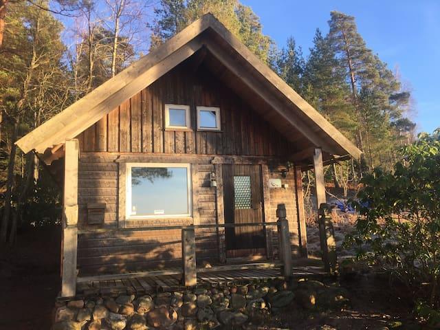 Fjällstuga mit kleiner Stuga direkt am See - Borås NV - Pension