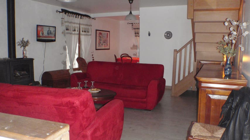 Maison de caractère, cure et vacances - Villemagne-l'Argentière - House