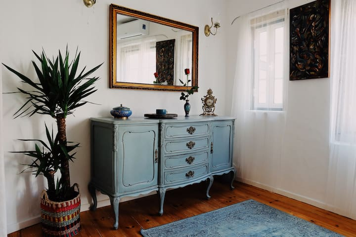 Romantic Cottage w/BAY VIEW-2mins to Beach@OldTown
