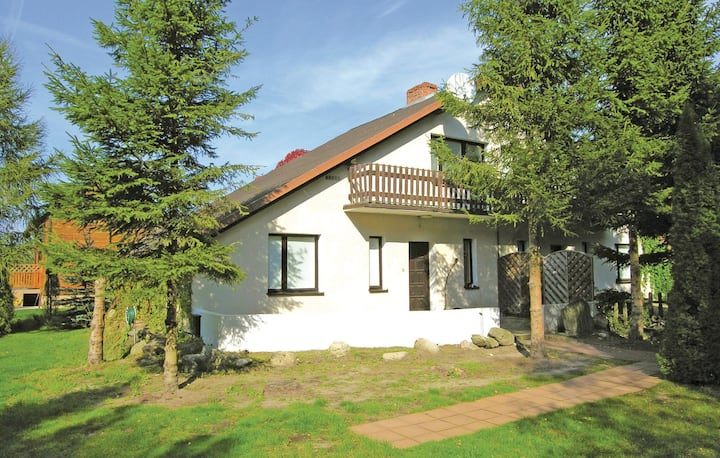 Awesome home in Choczewo with 4 Bedrooms