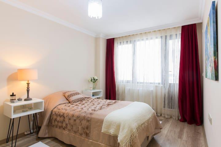 Safe,cosy single private room in Sisli city center