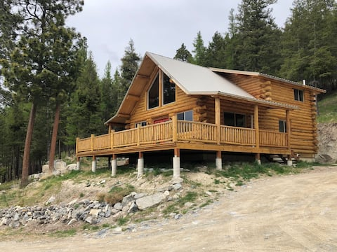 Flathead Chalet w/ Full Office and Stunning Views!