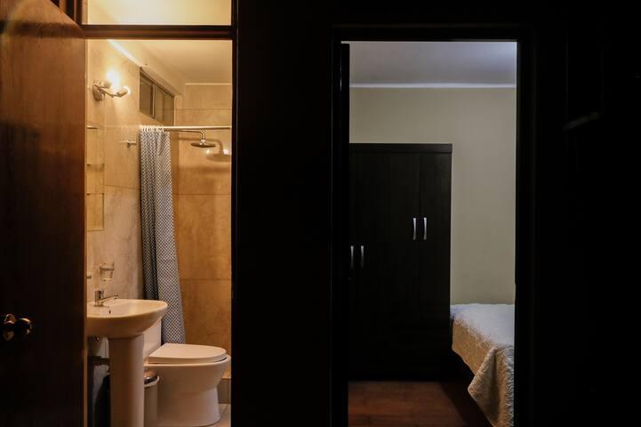 Habitación con  baño privado  en lindo condominio