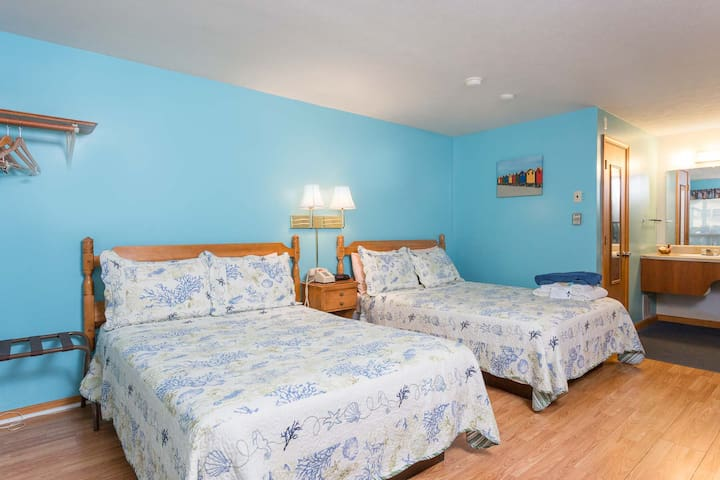 Seacoast Off-Season Rooms for Rent (2 Queen Beds) - Wells - Boutique hotel