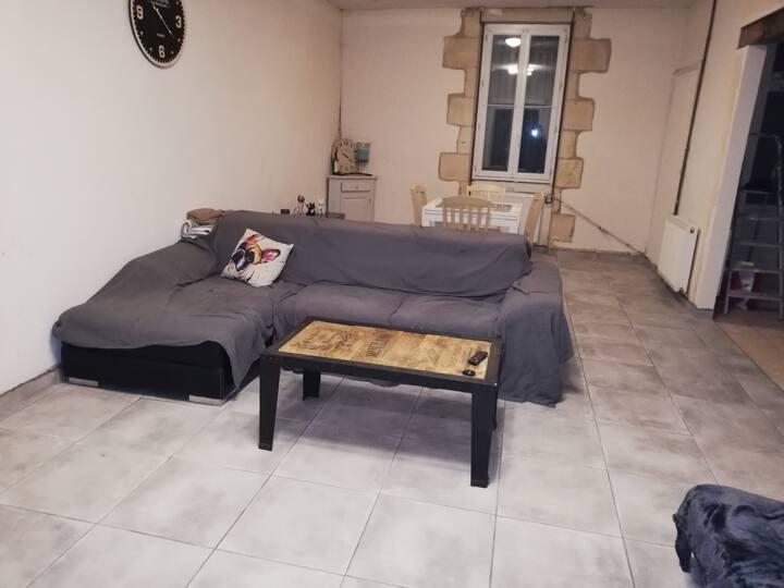 chambre dans une maison calme