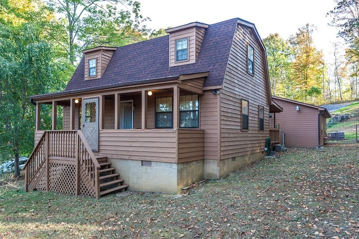 Sequoyah- 3 BR/2Bath Cozy home, minutes from beautiful Norris Lake- TV and Wifi