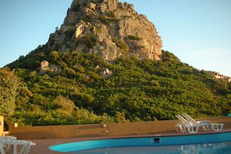 villa con piscina costa paradiso - Costa Paradiso - Apartmen