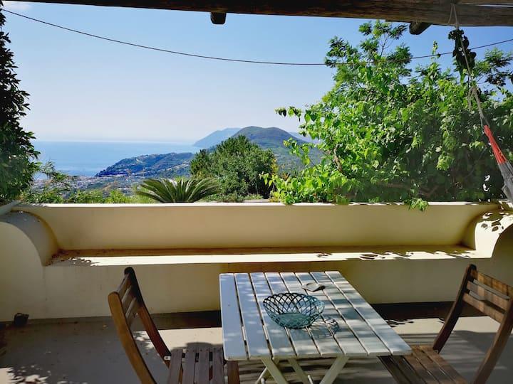 La Sciara. Romantica, patio privato vista mare