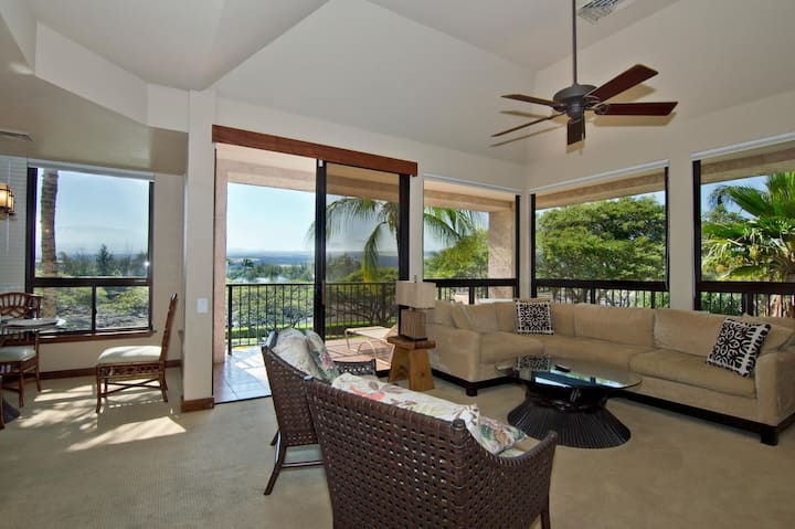 Shores at Waikoloa 328.  Perfect for a Romantic Getaway!