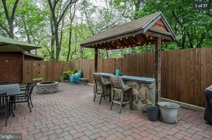 Entire Home Summer-Fall Rental, Firepit + Trees!