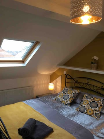 Lovely big bright loft room near Newcastle centre