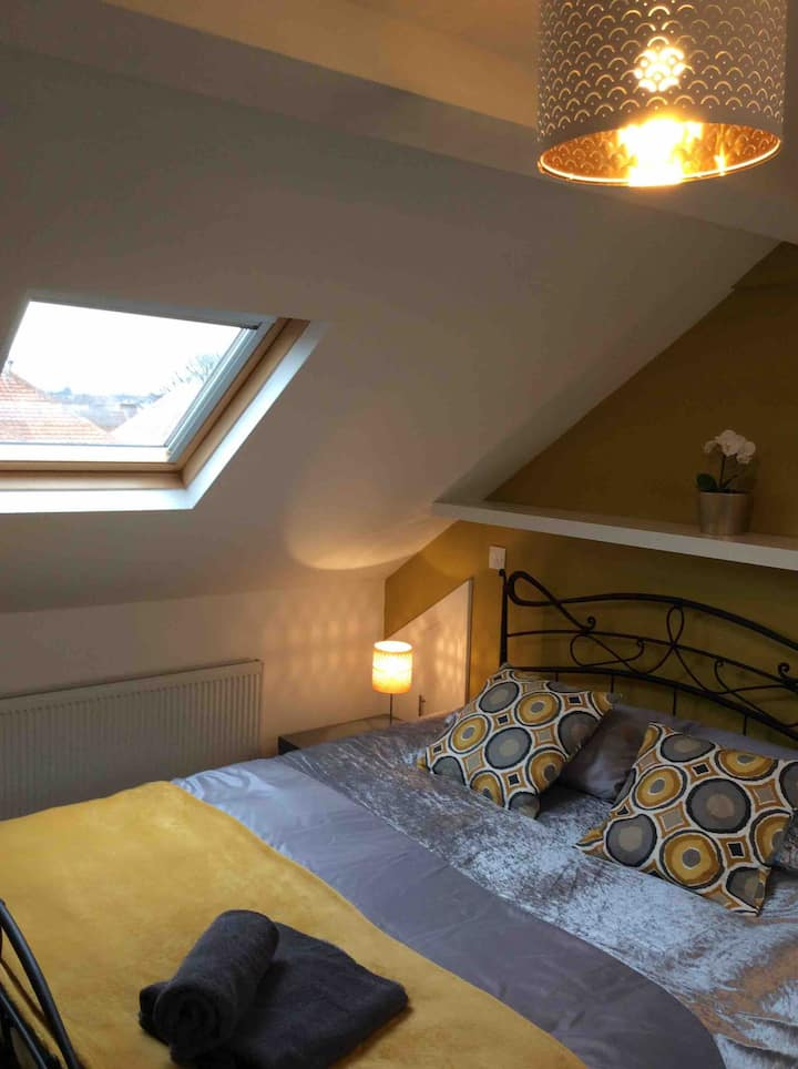 Lovely big bright loft room near Newcastle centre
