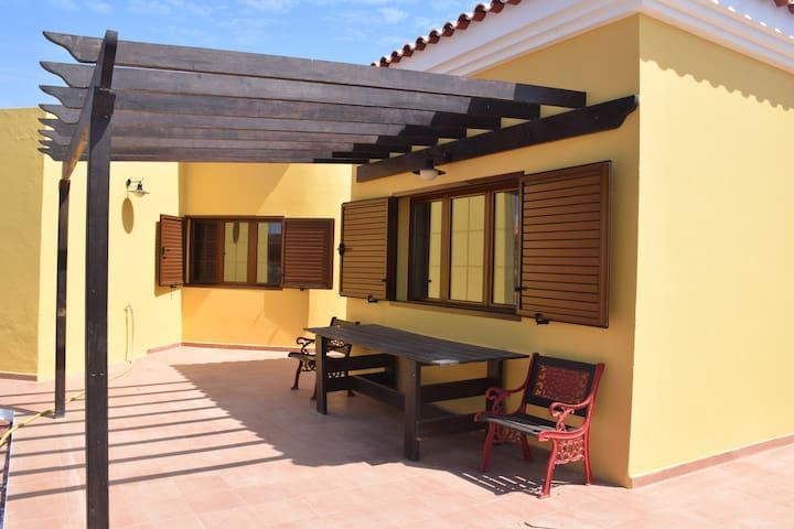 Casa Luzi Neu 150qm sehr ruhig - Puerto del Rosario - Dům