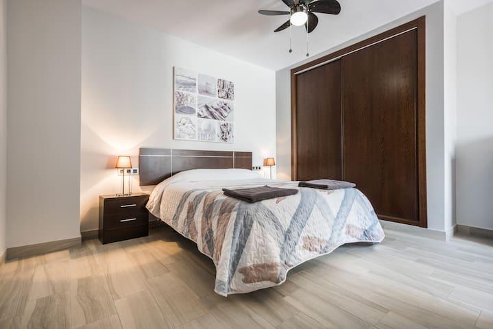 Modern 2 Bedroom Apartment Near Caminito del Rey
