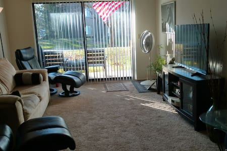 Modern Apt. 24/7gym.pets OK! 5 star - Charter Township of Clinton
