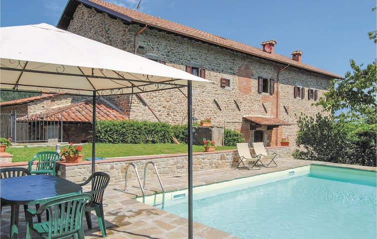 Holiday apartment with 4 bedrooms on 320 m²