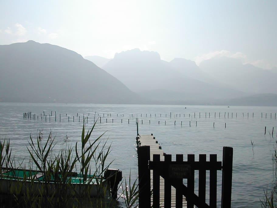 Les bords du lac à 10 minutes à pied.