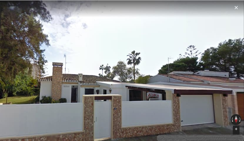 Spanish style Villa 300 m from the beach