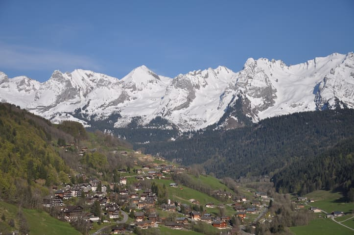 View of the Aravis from anywhere in the appartment - Le Grand-Bornand - Lägenhet