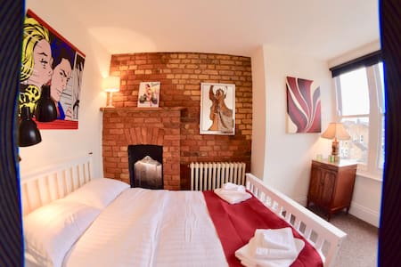 Luxury double room in Victorian B&B (4 of 4) - Londres