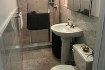 Duplex bottom floor / All you need UES