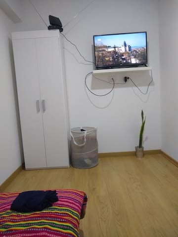 Room in San Isidro, gym, pool and parking included