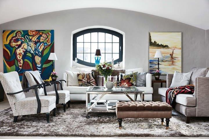 187m2 luxury penthouse apartment in prime location