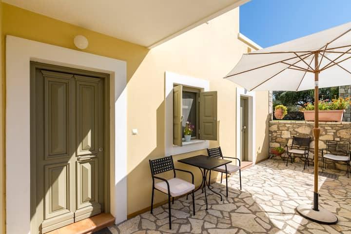 Private Apartment in Elaia Villas Estate