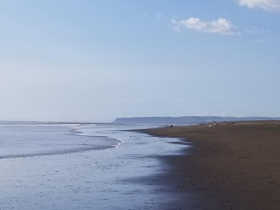Beach five minnute walk