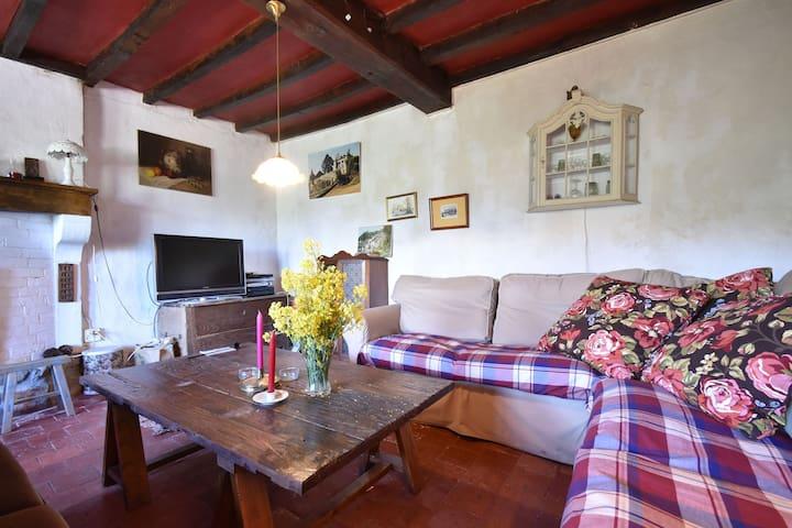 Charming Farmhouse with Private Garden, Terrace, Hammock