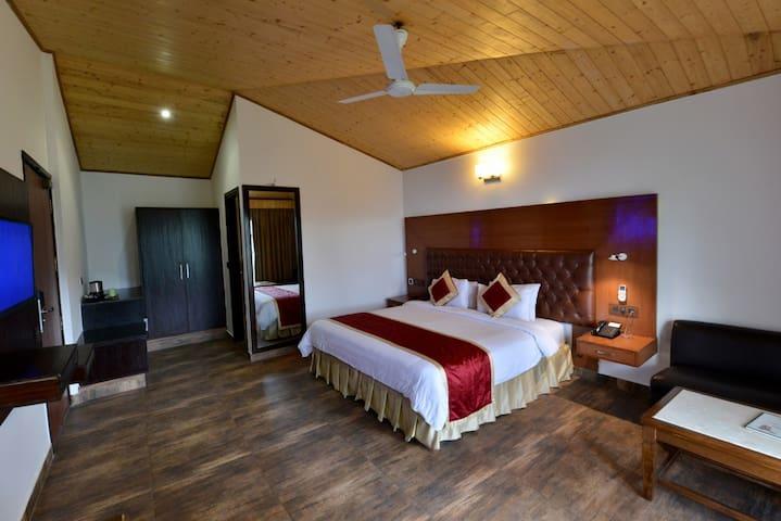 Deluxe Room Valley Facing Kasauli Hills Resort