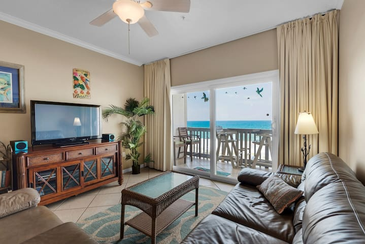 Gulf Front 2 bedroom Villas on the Gulf condo. Free WiFi. Washer/Dryer. Pool.