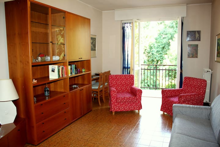 Large Apartment near underground M2, Garage - Bussero