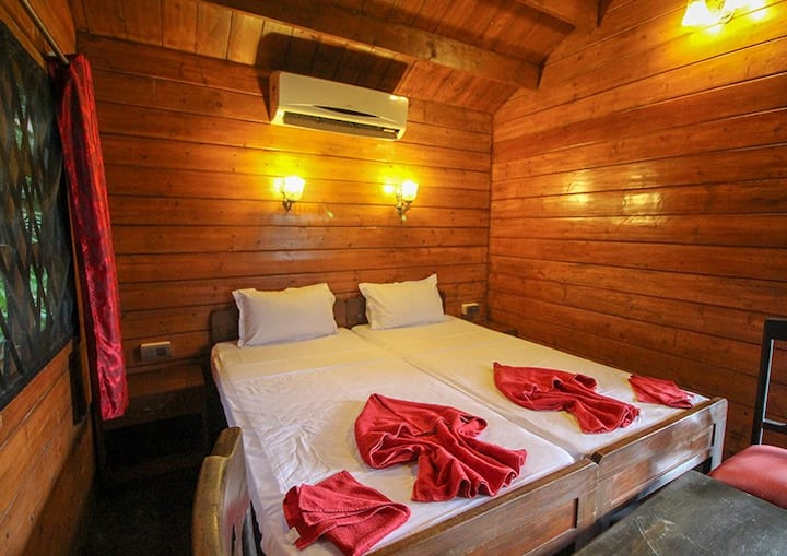 Cozy Ac Cottages on Candolim beach & Water Sports