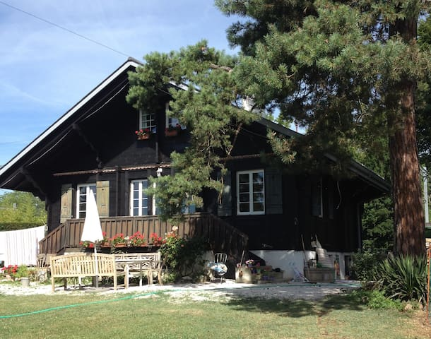 Charming chalet near lakeside - Mies - House