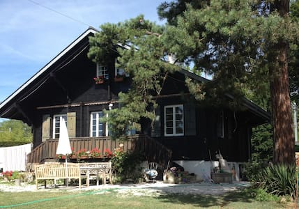 Charming chalet near lakeside - Mies - Huis