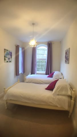 Bright, spacious ground floor flat - Bexhill - Apartament