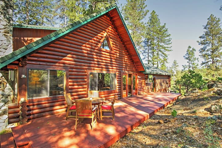 Secluded 3BR Grass Valley Cabin - Grass Valley - Stuga
