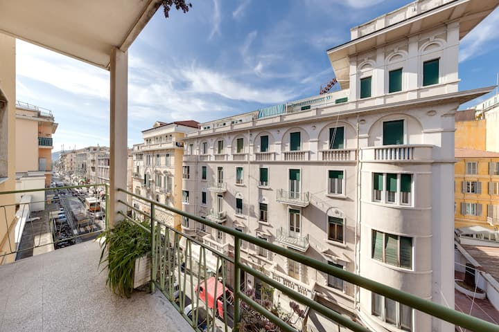 La Centralissima-Three roomed x 5 near Sea&Ariston