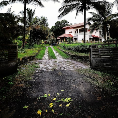 Experience an organic Permaculture farmstay